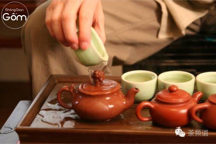 nghệ thuật pha trà ấm tử sa