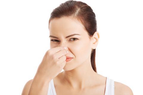 Mùi hôi khí chịu trong phòng ngủ khiến bạn không thể ngủ một giấc ngon và sâu được