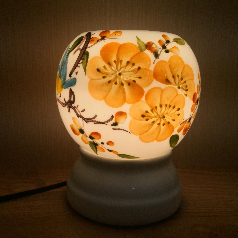 Đèn xông tinh dầu hoa to.Màu sắc bắt mắt tạo không gian ấm cúng