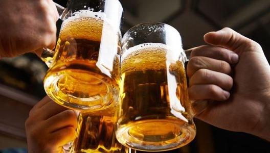 Không ai nghiêm cấm uống rượu bia tuy nhiên hãy uống một cách lành mạnh để không trở thành tệ nạn xã hội