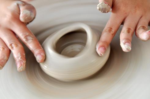 Gốm Chu Đậu được làm từ đất sét trắng