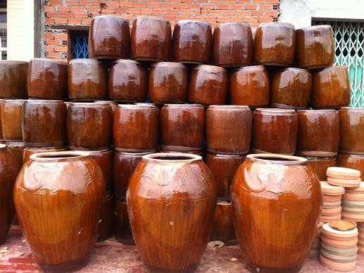 Các sản phẩm phục vụ nhu cầu bình dân của gốm Lái Thiêu