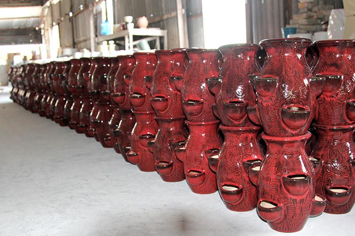 Sản phẩm gốm Tân Phước Khánh có màu men độc đáo