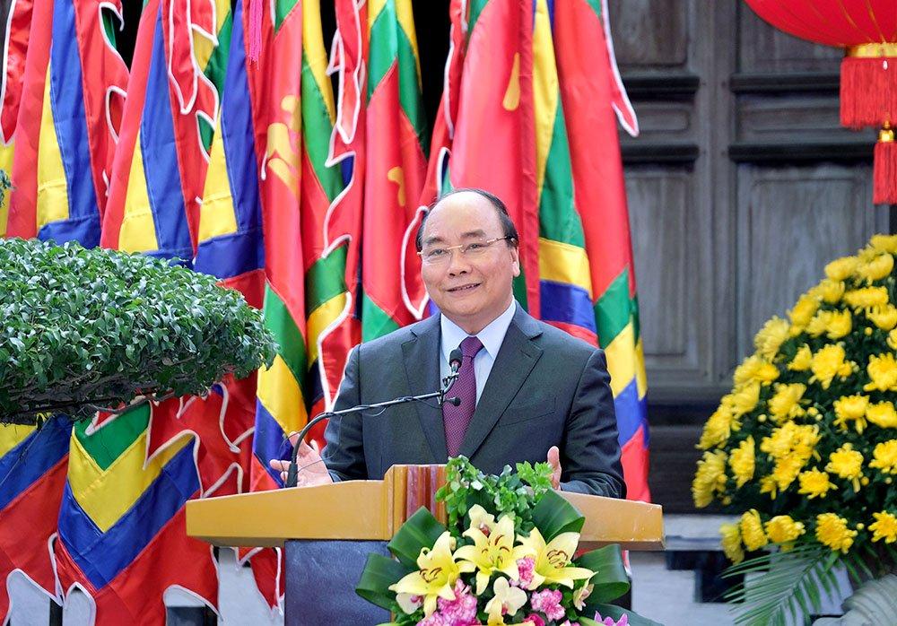 thủ tướng nguyễn xuân phúc thăm làng gốm bát tràng