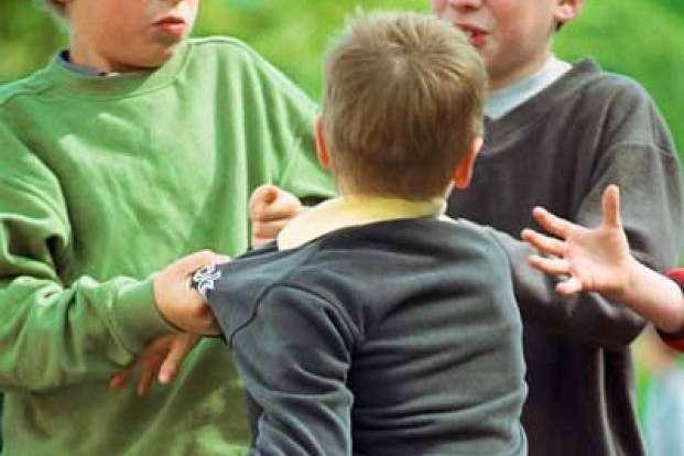 trẻ bị bắt nạt có nguy cơ nghiện rượu