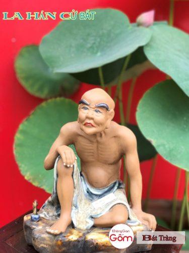 Cửa hàng bán tượng la hán tại Tân Phú