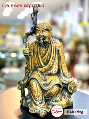 Cửa hàng bán tượng la hán tại Quận Tân Bình